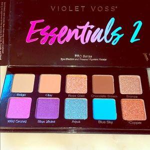 Violet Voss Essentials 2 Palette